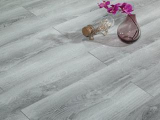 古代繁复 多层实木地板 真木纹 中性色系 桉木地板