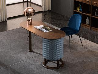 意式极简 精品胡桃木 超纤皮圆弧面 优雅木纹 原木清香 书桌(抽屉固定在右侧)
