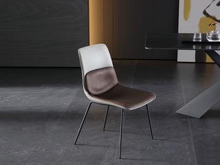 极简 西皮+黑砂 餐椅