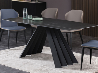 极简 劳伦黑金岩板1.5米 餐桌